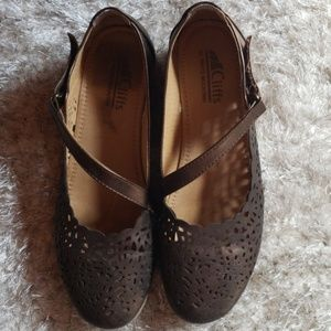 Cliffs shoes in excellent condition  size 7.5